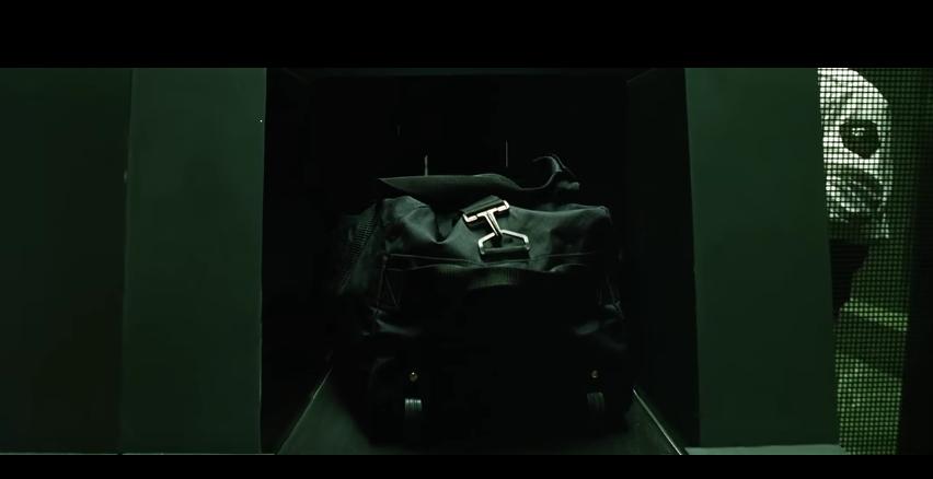 La bolsa en la máquina de rayos X